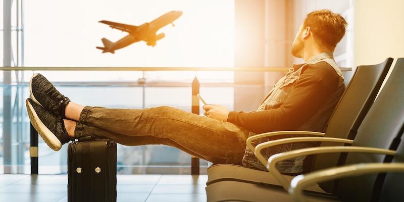 booking.com integrates flight booking service