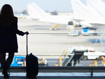 business-travel-airport-woman-innovation-3