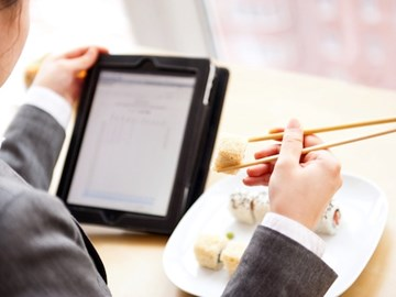 Tablets replacing paper menus in restaurants – a long-term trend or too problematic?