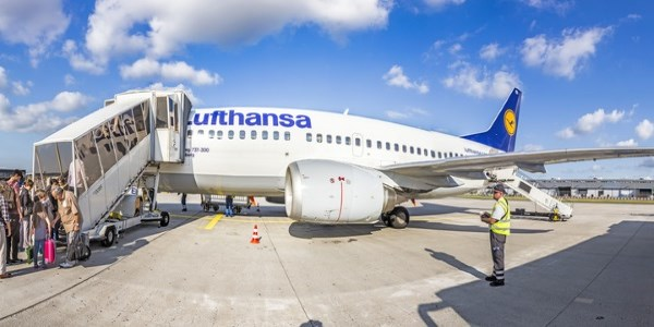 Lufthansa traffic up in first clean month since GDS surcharge (but rivals up more)
