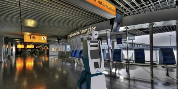KLM tests Spencer robot at Schipol