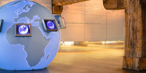 Is the smartphone killing the visitor center?