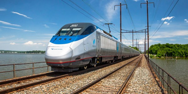 Amtrak works to boost its wifi speeds, but faces delays