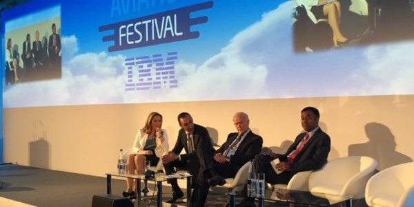 Adapt to digital or perish, airline leaders warn